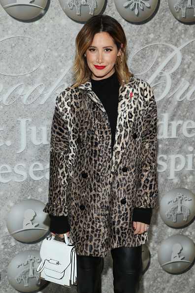 Ashley Tisdale「Brooks Brothers Annual Holiday Celebration To Benefit St. Jude - Arrivals」:写真・画像(10)[壁紙.com]