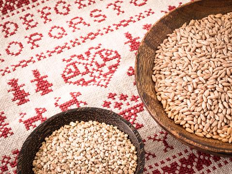 Cross-Stitch「Bowls of spelt grains and buckwheat grains on cross stitch doily」:スマホ壁紙(15)