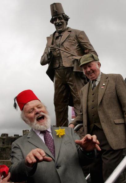 Magic Kingdom「Anthony Hopkins Unveils Statue Of Tommy Cooper」:写真・画像(19)[壁紙.com]