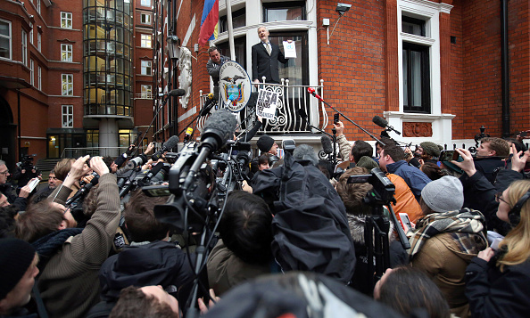 Following - Moving Activity「UN Panel Rules That Wikileaks Founder Is Arbitrarily Detained」:写真・画像(18)[壁紙.com]