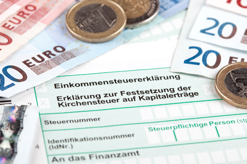 Tax Form「German Tax Form with Euro banknotes and coins」:スマホ壁紙(13)