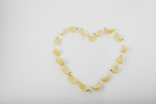 Garlic Clove「Garlic in heart shape」:スマホ壁紙(7)