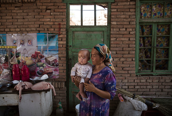 Distant「China's Uyghur Minority Marks Muslim Holiday In Country's Far West」:写真・画像(10)[壁紙.com]