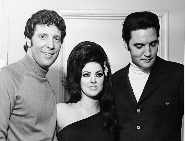 エルヴィス・プレスリー「Tom Jones With Elvis And Priscilla Presley」:写真・画像(18)[壁紙.com]