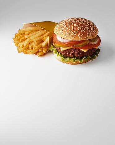Fast Food「French Fries and Hamburger」:スマホ壁紙(7)