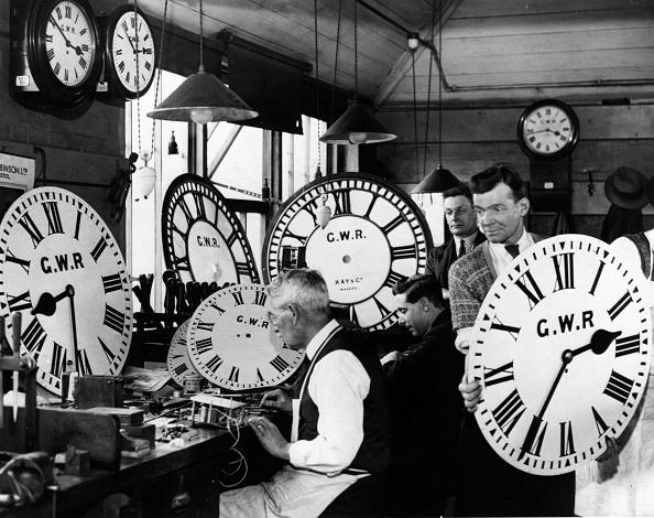 Clock「Time Keepers」:写真・画像(4)[壁紙.com]