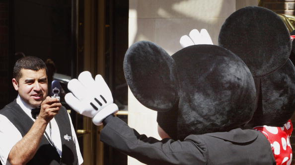 Mickey Mouse「Mickey Mouse Club Theme Singing Contest Celebrates Disney」:写真・画像(19)[壁紙.com]