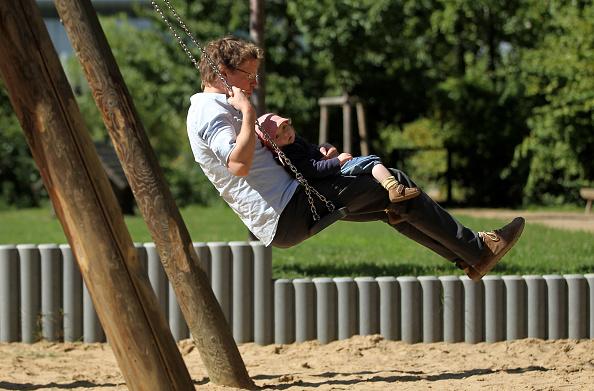 Parent「Germany Debates Expanding Parental Leave」:写真・画像(10)[壁紙.com]