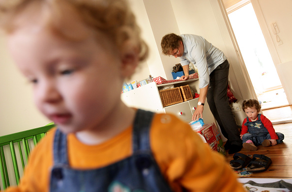 Parent「Germany Debates Expanding Parental Leave」:写真・画像(16)[壁紙.com]