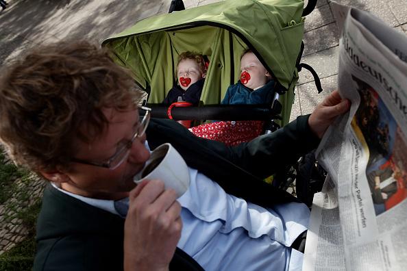 Baby Carriage「Germany Debates Expanding Parental Leave」:写真・画像(10)[壁紙.com]
