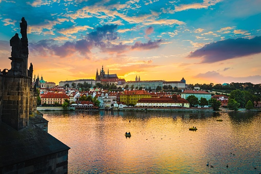 Hradcany「View of Charles Bridge in Prague during sunset, River Vltava Czech Republic.」:スマホ壁紙(13)