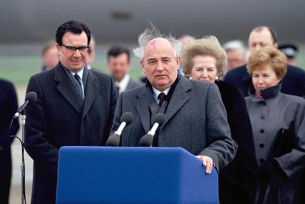 Heathrow Airport「Mikhail Gorbachev In UK」:写真・画像(6)[壁紙.com]