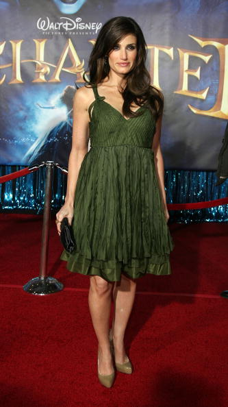 Mystery「World Premiere of Disney's Enchanted-Arrivals」:写真・画像(13)[壁紙.com]