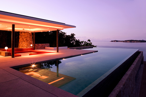 Infinity Pool「Luxury Island Villa Home In The Tropics Along The Coastline At Sunrise」:スマホ壁紙(17)