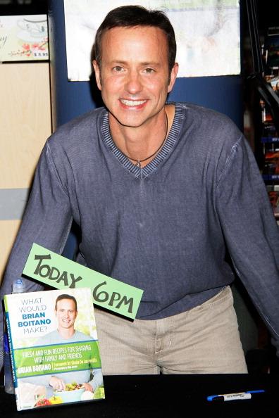 """Brian Boitano「Brian Boitano Signs Copies Of His Book """"What Would Brian Boitano Make?""""」:写真・画像(4)[壁紙.com]"""