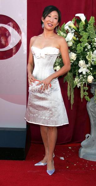 Clutch Bag「57th Annual Emmy Awards - Arrivals」:写真・画像(9)[壁紙.com]