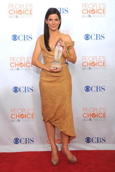 High Heels「People's Choice Awards 2010 - Press Room」:写真・画像(8)[壁紙.com]