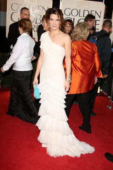 Index Finger Ring「The 66th Annual Golden Globe Awards - Arrivals」:写真・画像(5)[壁紙.com]