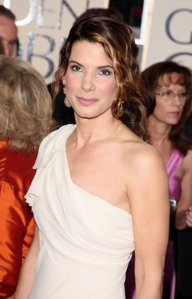 Index Finger Ring「The 66th Annual Golden Globe Awards - Arrivals」:写真・画像(7)[壁紙.com]
