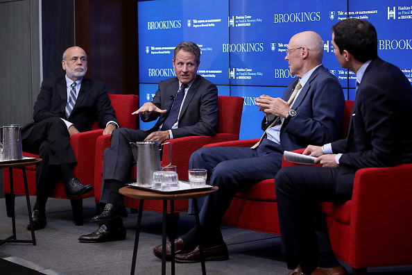 Win McNamee「Former Federal Reserve Board Chairmans Bernanke, Paulson, And Geithner Discuss The Global Financial Crisis Of 10 Years Ago」:写真・画像(13)[壁紙.com]