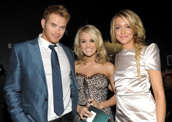 Pencil Dress「People's Choice Awards 2010 - Inside」:写真・画像(11)[壁紙.com]