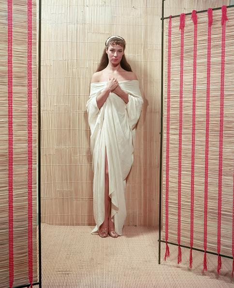 Classical Theater「Portrait of Rita Gam in sheet」:写真・画像(8)[壁紙.com]