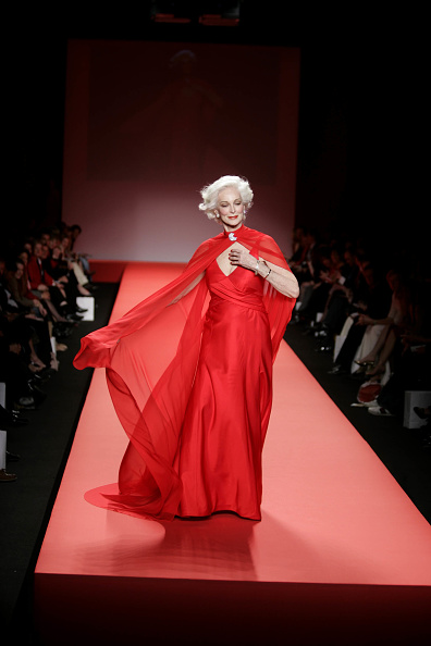 Shawl「Heart Truth Red Dress Collection - Runway」:写真・画像(5)[壁紙.com]