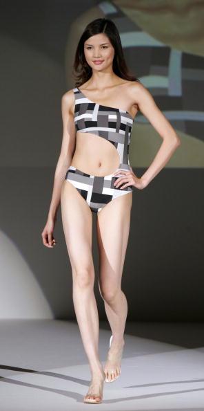 ファッションモデル「Asahi Kasei 2005 Swimwear Fashion Show」:写真・画像(16)[壁紙.com]