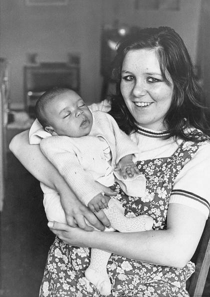 カメラ目線「New British Baby」:写真・画像(1)[壁紙.com]