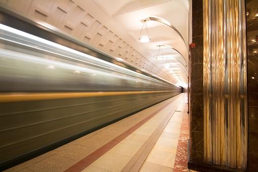 鉄道・列車「Novoslobodskaya metro station moscow」:スマホ壁紙(18)