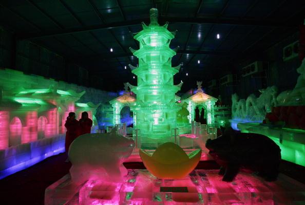 Ice Sculpture「Heatwave Hit Regions Of China」:写真・画像(4)[壁紙.com]