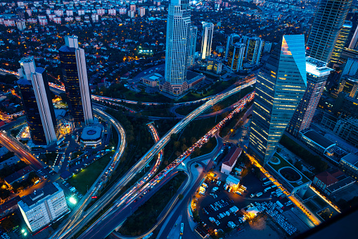 Innovation「Roads and skyscrapers of Istanbul at night」:スマホ壁紙(0)
