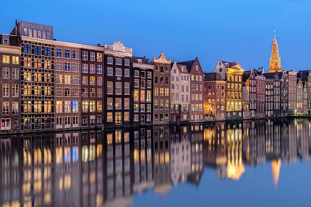 Row of houses along canal at dusk, Amsterdam, Holland:スマホ壁紙(壁紙.com)