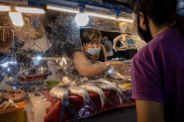 Wet「Northern Philippines Under Lockdown As The Coronavirus Continue To Spread」:写真・画像(12)[壁紙.com]