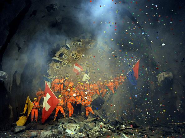 Trough「Breakthrough For Second Shaft Of Gotthard Tunnel」:写真・画像(1)[壁紙.com]