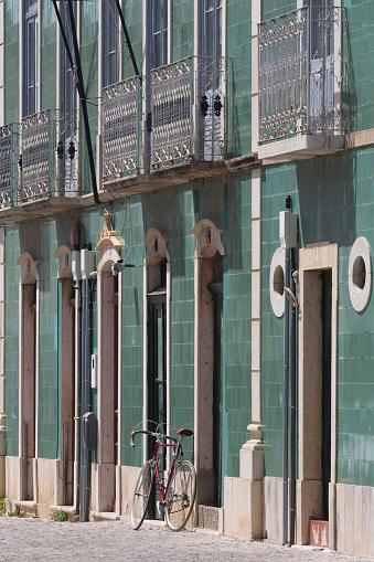 自転車「Tiled house in Tavira, the Algarve」:スマホ壁紙(17)