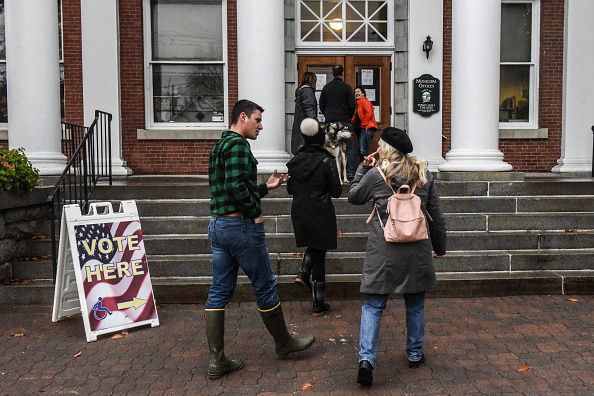 Stowe - Vermont「Voters Across The Country Head To The Polls For The Midterm Elections」:写真・画像(6)[壁紙.com]