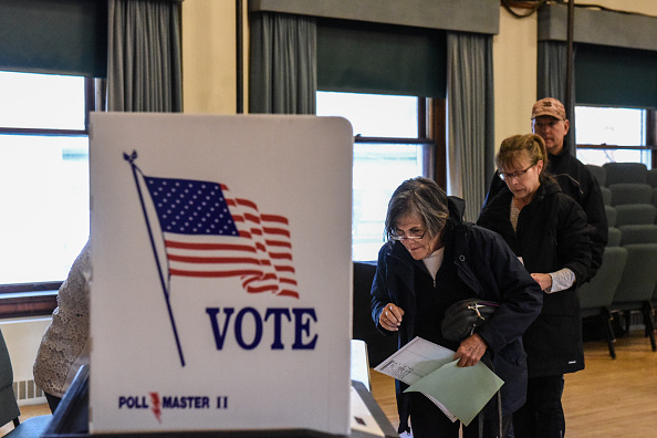 Stowe - Vermont「Voters Across The Country Head To The Polls For The Midterm Elections」:写真・画像(14)[壁紙.com]