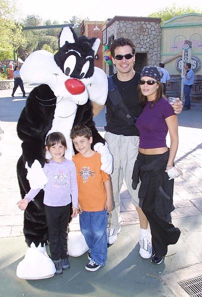 Antonio Valencia「Celebs At Six Flags Magic Mountain」:写真・画像(6)[壁紙.com]
