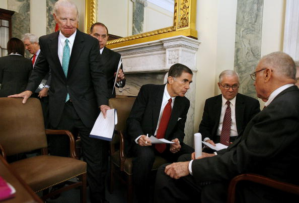 Virginia - US State「Bipartisan Congressional Iraq Study Group Formed」:写真・画像(19)[壁紙.com]