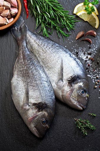 Sea Bream「Sea bream and ingredients for cooking and seasoning」:スマホ壁紙(6)