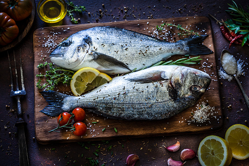Thyme「Sea bream and ingredients for cooking and seasoning」:スマホ壁紙(9)