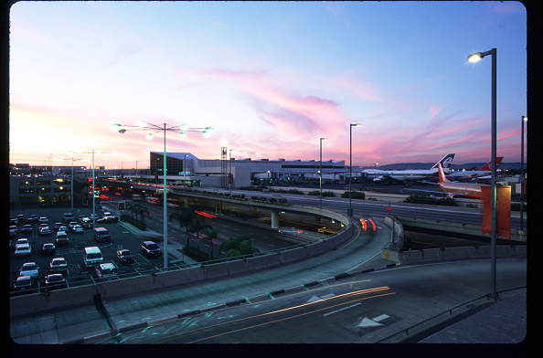 LAX Airport「A Day In The Life Of Los Angeles International Airport」:写真・画像(8)[壁紙.com]