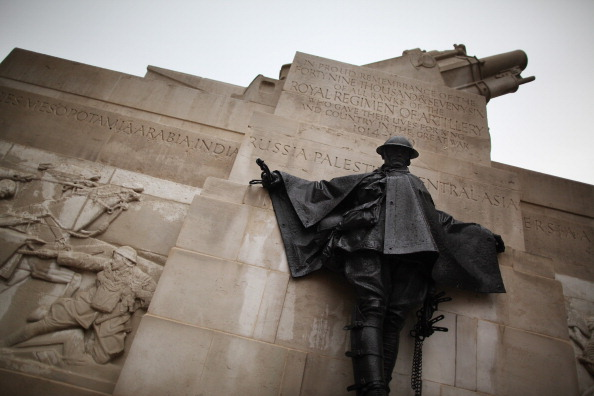 Gunner Stone「Finishing Touches Are Made To The Royal Artillery Memorial After Its Restoration」:写真・画像(18)[壁紙.com]