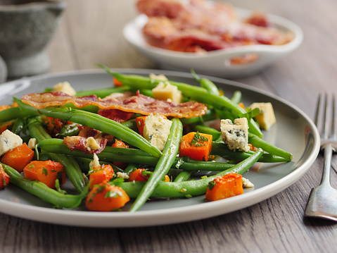 Vinaigrette Dressing「Green beans and roasted butternut squash salad with bacon」:スマホ壁紙(8)