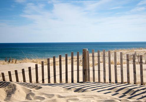 Coastline「Sand fence at beach.」:スマホ壁紙(8)