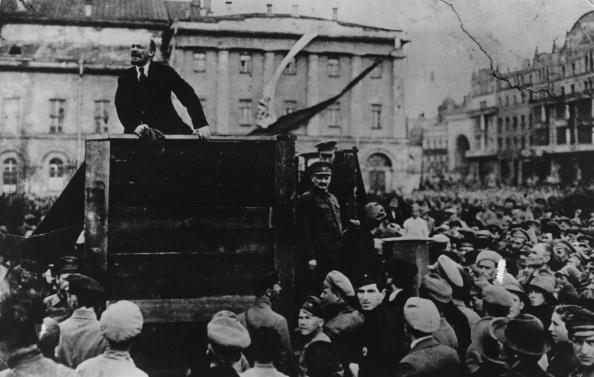 スクエア「Lenin Speaks In Sverdlov Square」:写真・画像(1)[壁紙.com]