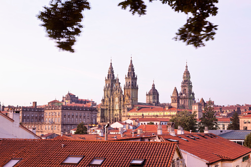 Camino De Santiago「Spain, Province of Galicia, Santiago de Compostela, View to the Cathedral in the evening」:スマホ壁紙(5)