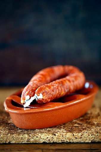 Spanish Culture「Portugal, Alentejo, Chorizo on clay bowl」:スマホ壁紙(19)