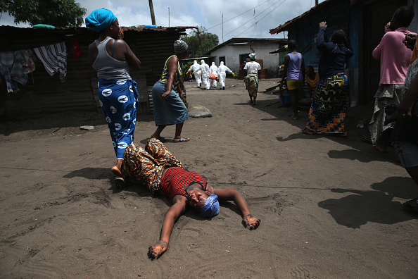 Cremation「Liberia Races To Expand Ebola Treatment Facilities, As U.S. Troops Arrive」:写真・画像(17)[壁紙.com]